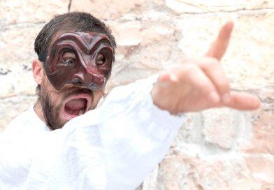 C'è aria di commedia a Gualdo Tadino il 6 agosto e Lella Costa il 9