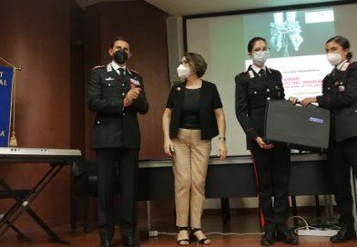 Il Club Soroptimist di Terni dona alla Compagnia Carabinieri di Orvieto un kit per l'ascolto delle vittime di violenza.
